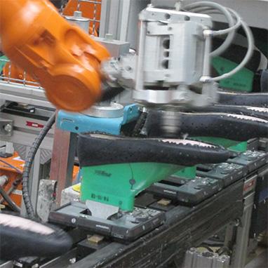 schuhindustrie-sohlenklebung
