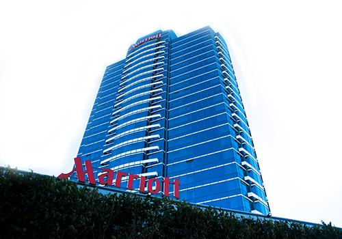Im Marriott Hotel sind Isolierglas Einheiten mit dem Warme Kante System KÖDISPACE 4SG sowie das Structural Glazing Silikon KÖDIGLAZE S im Einsatz.
